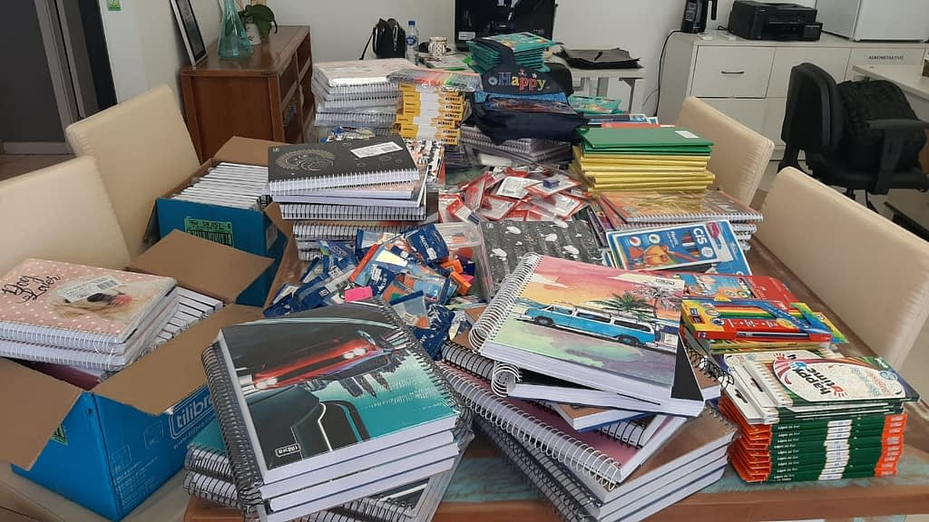 Instituto Nexxera faz campanha de doação de material escolar